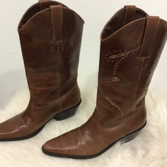 185cc48a0a3 Matisse Cowboy Boot Tooled Design EUC Size 7